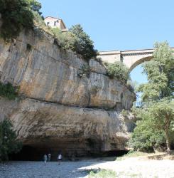 Pont Naturel à Minerve, phénomène naturel extraordinaire