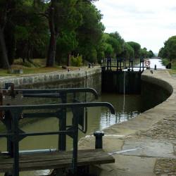 Zicht op het Canal de la Jonction die het Canal du Midi verbindt met het Canal de la Robine