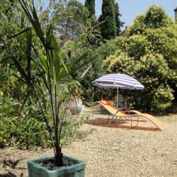 Lekker plekje in de tuin om te zonnebaden