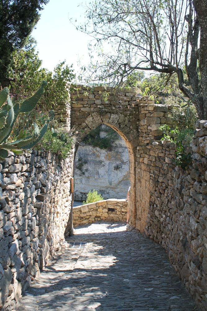 pittoreske-straatjes-van-Minerve-Hérault