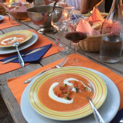 Frisse gazpacho bij warme temperaturen