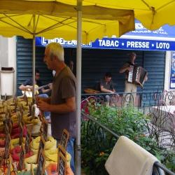 Le marché à Olonzac